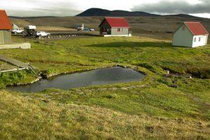 Maisons sur un terrain géothermal